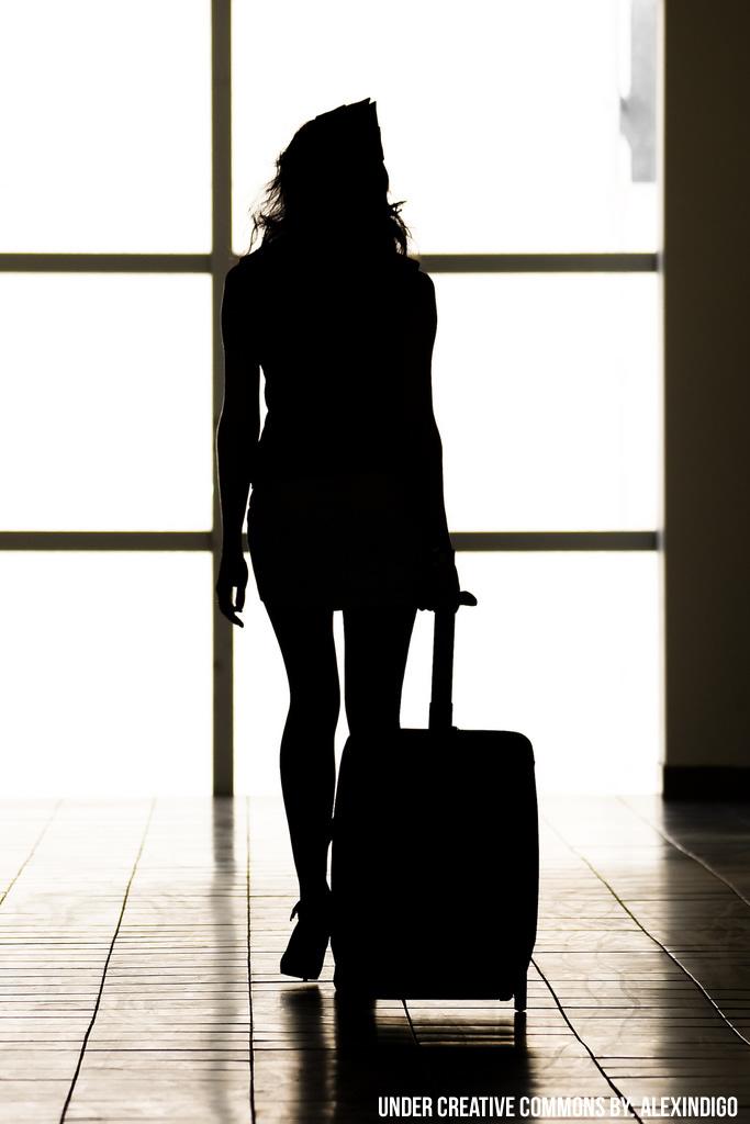 Aazafata camino al avión