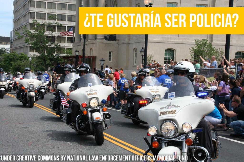 Policías en un desfile